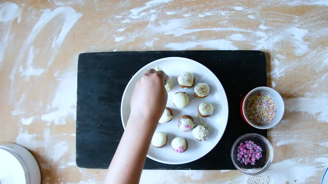 Image of the cooking step-1-10 for Gingerbread Truffles Recipe