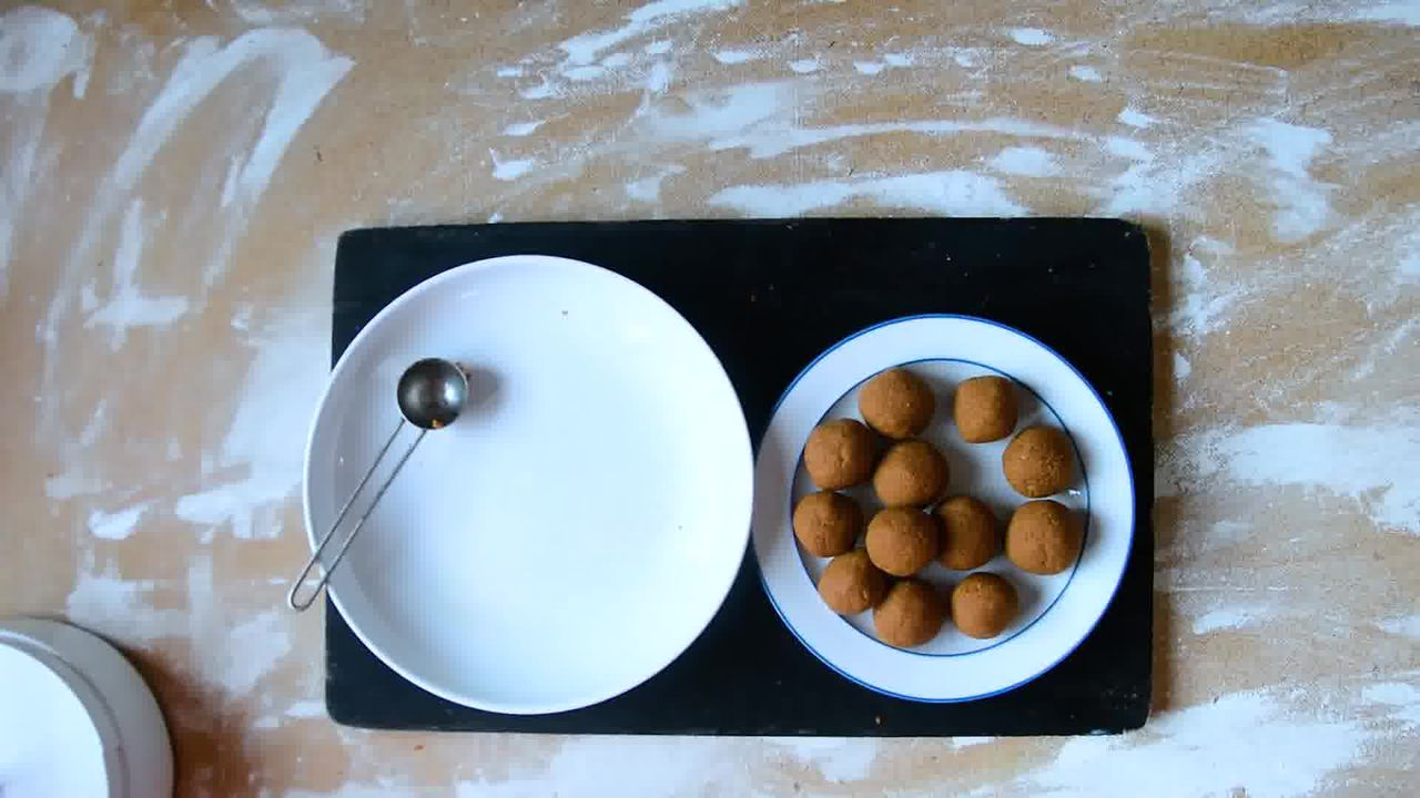 Image of the cooking step-1-6 for Gingerbread Truffles Recipe