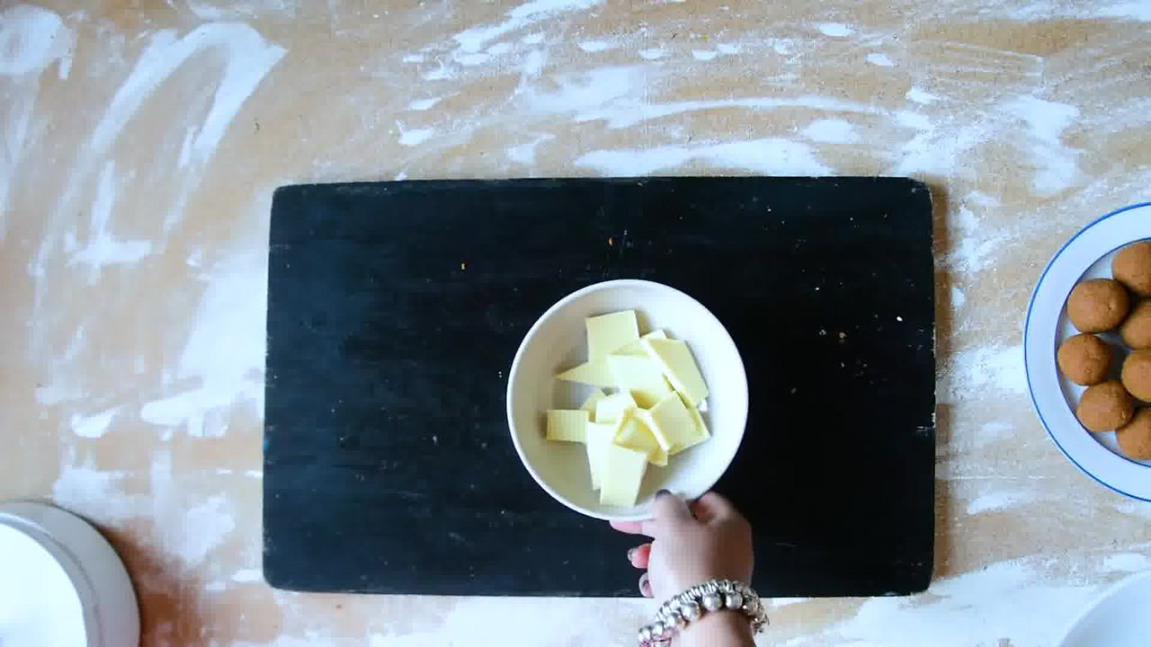 Image of the cooking step-1-7 for Gingerbread Truffles Recipe