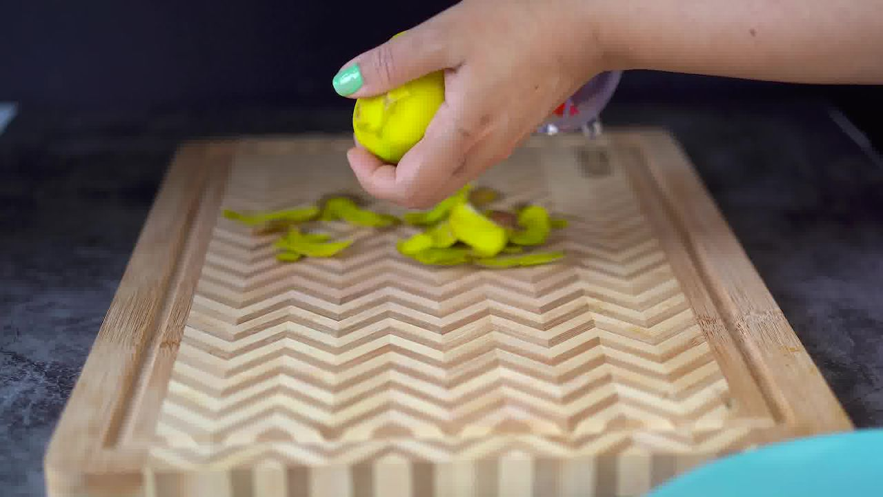 Image of the cooking step-1-1 for Aam Ki Launji (Sweet & Spicy Raw Mango Chutney)