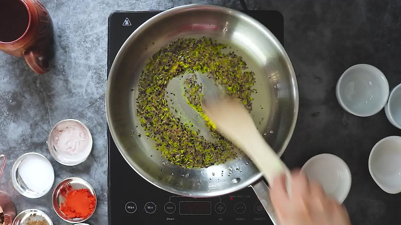 Image of the cooking step-1-7 for Aam Ki Launji | Sweet and Spicy Raw Mango Chutney