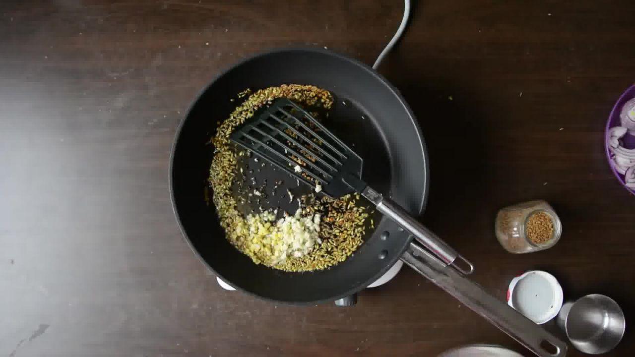Image of the cooking step-1-2 for Achaari Dahi Bhindi with Duppad Roti - Pad Wali Roti