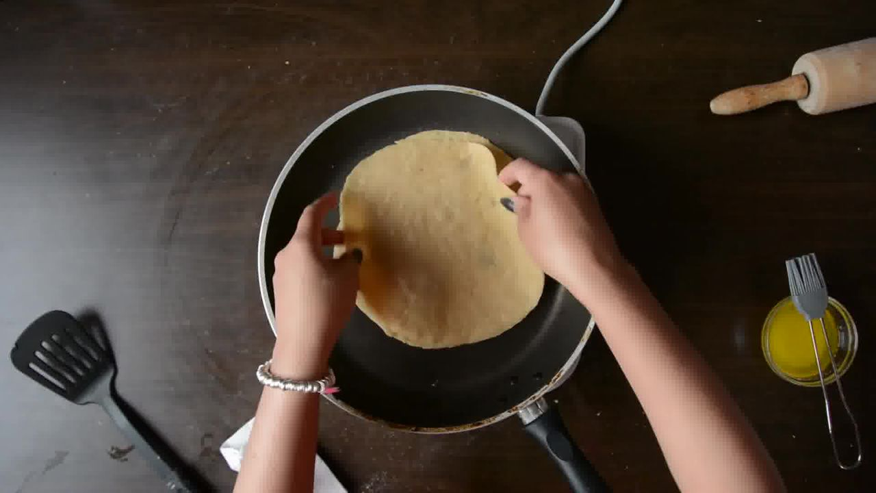 Image of the cooking step-2-14 for Achaari Dahi Bhindi with Duppad Roti - Pad Wali Roti