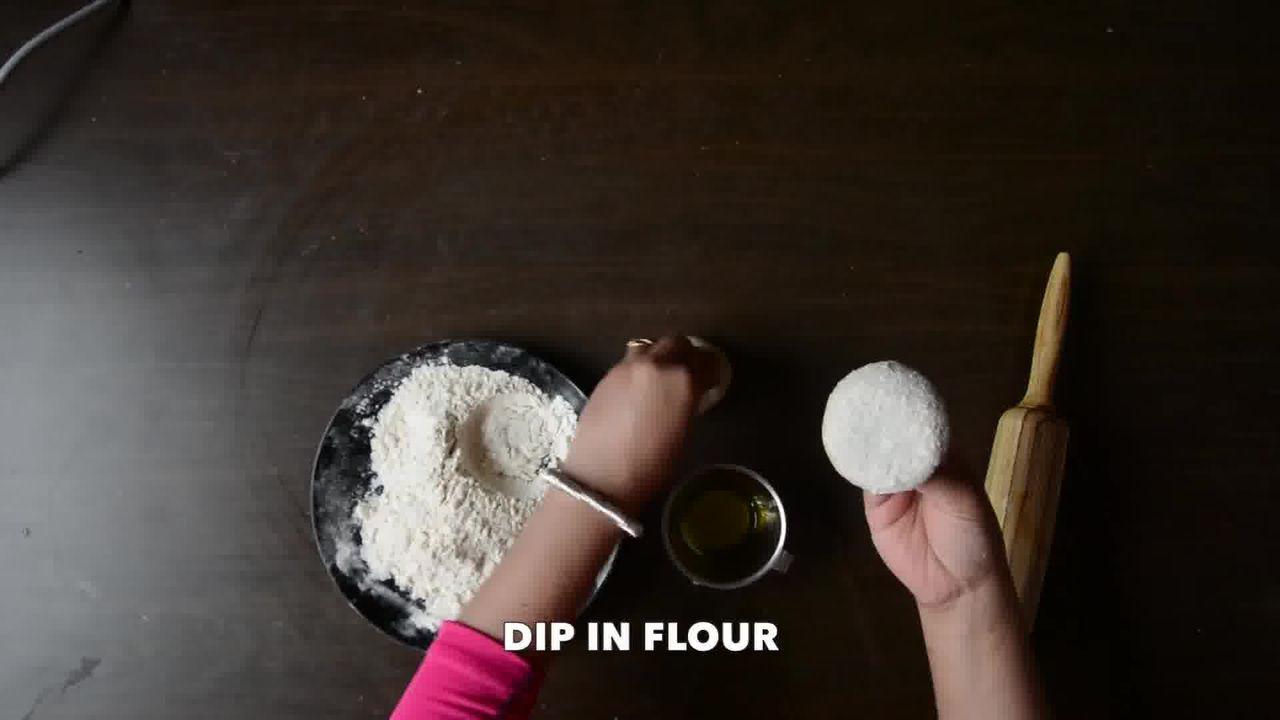 Image of the cooking step-2-6 for Achaari Dahi Bhindi with Duppad Roti - Pad Wali Roti