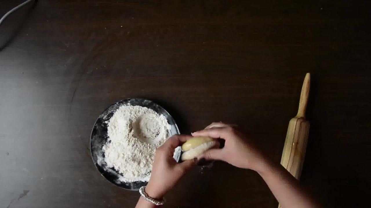Image of the cooking step-2-7 for Achaari Dahi Bhindi with Duppad Roti - Pad Wali Roti