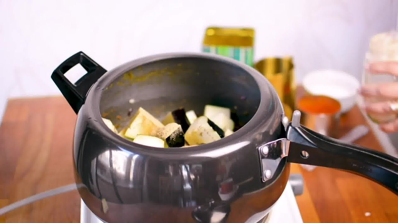 Image of the cooking step-1-7 for Aloo Baingan - Potato Eggplant (Cooker + Instant Pot)