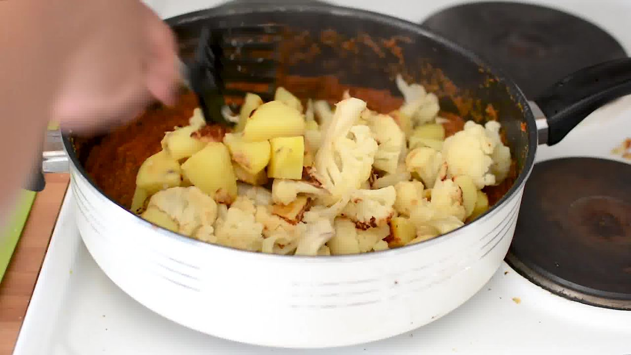 Image of the cooking step-1-20 for Dhaba Style Dry Aloo Gobi - Potato and Cauliflower