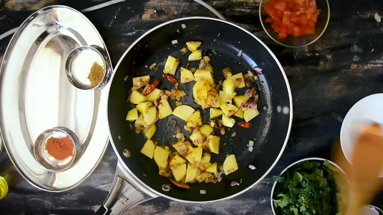 Image of the cooking step-1-8 for Aloo Palak - Spinach Potato Stir Fry