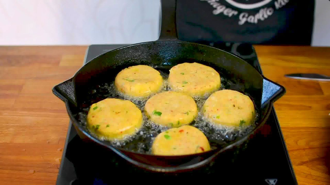 Image of the cooking step-6-3 for Aloo Tikki Chaat