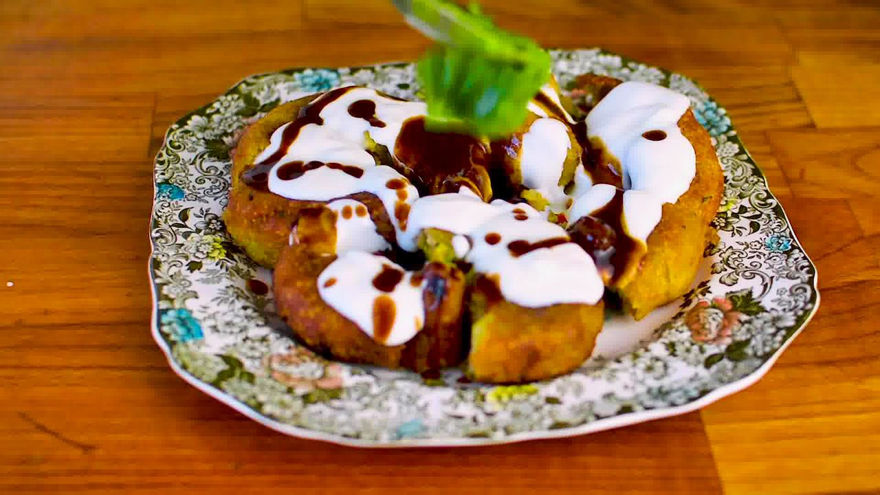 Image of the cooking step-7-3 for Aloo Tikki Chaat