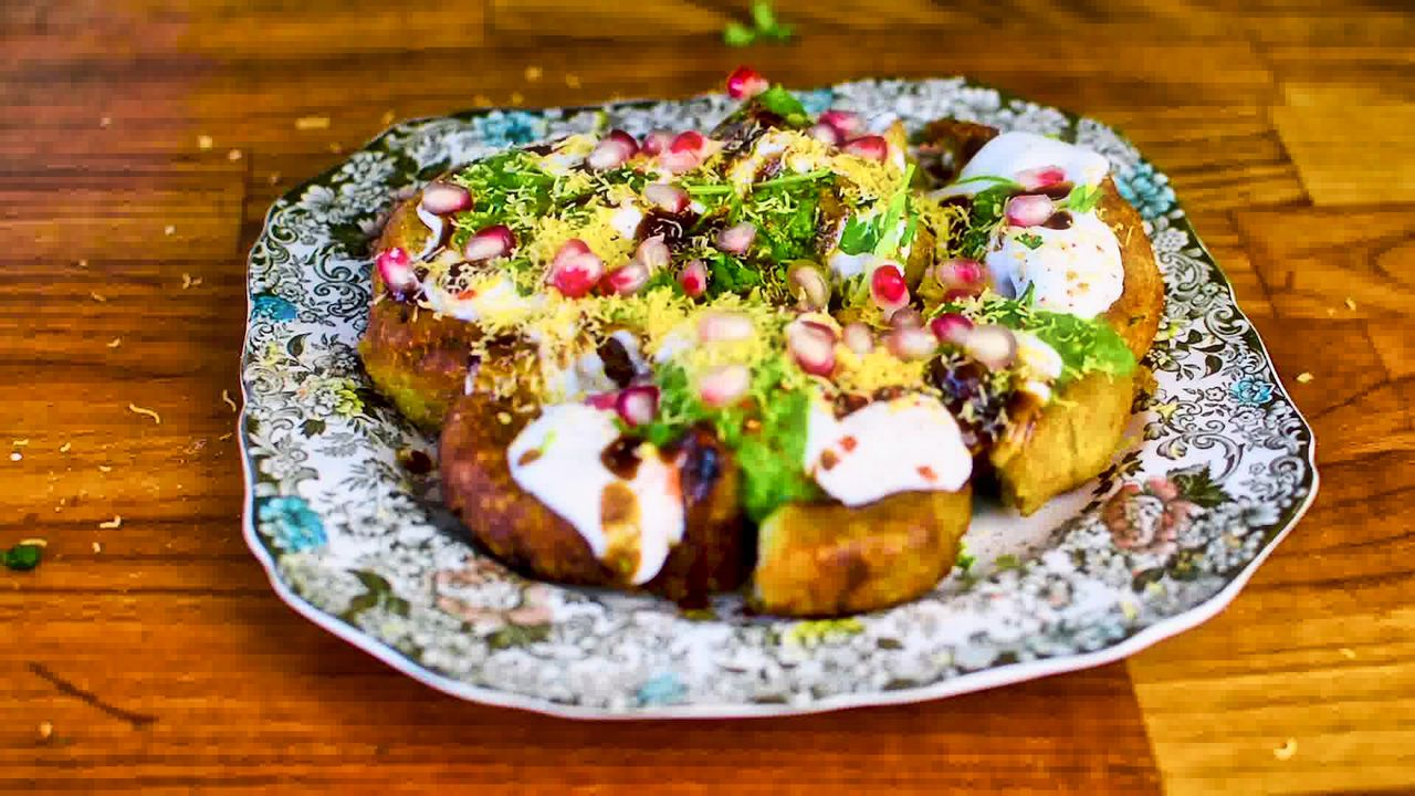 Image of the cooking step-7-5 for Aloo Tikki Chaat