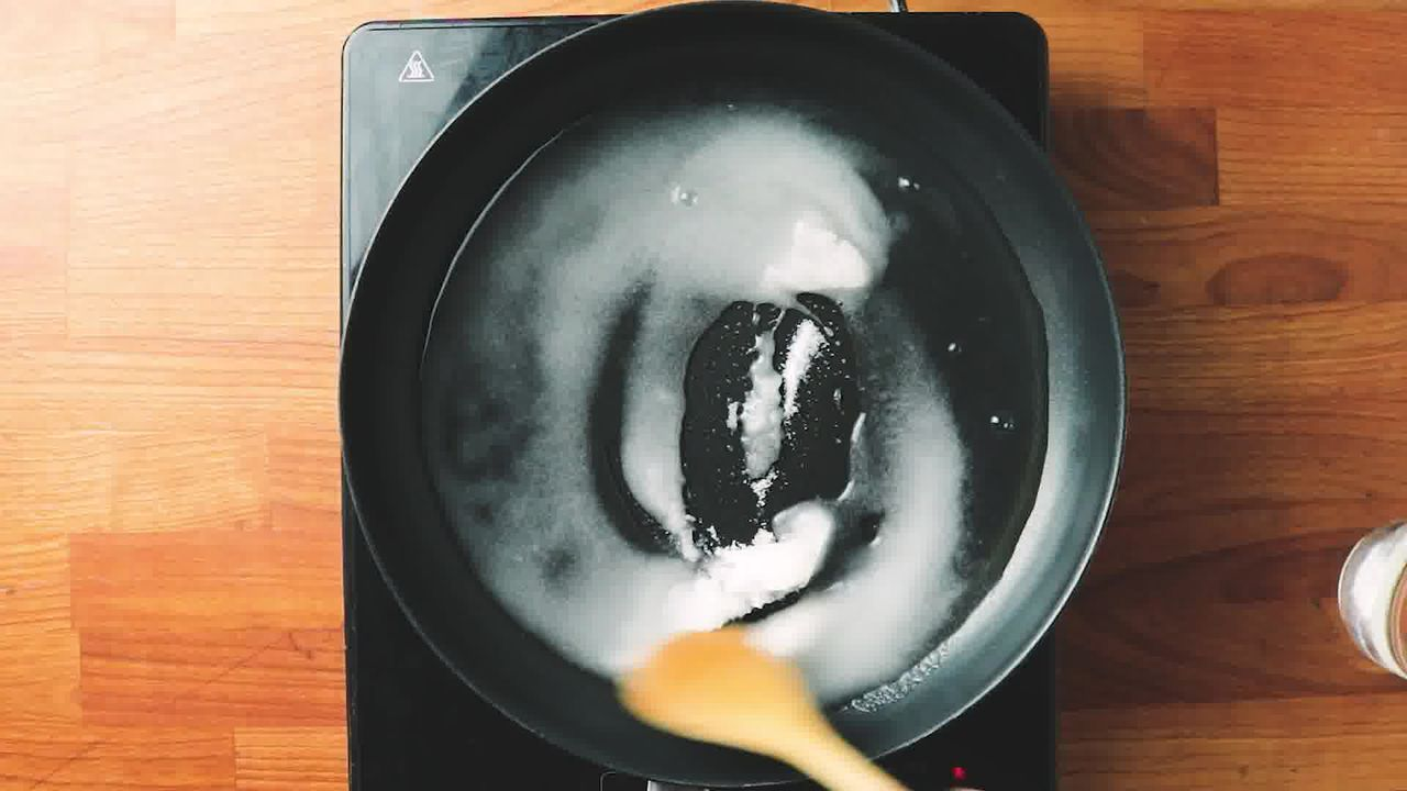 Image of the cooking step-2-1 for Apple Shaped Milk Peda - Doodh Peda