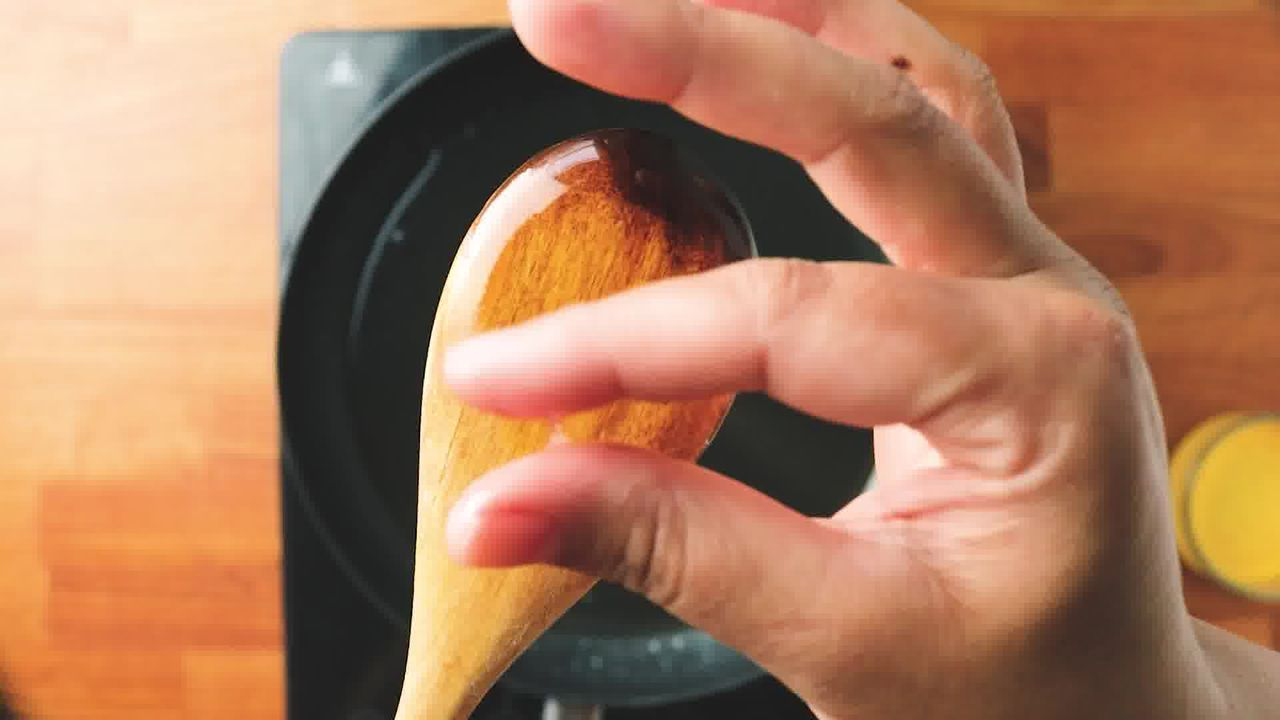 Image of the cooking step-2-2 for Apple Shaped Milk Peda - Doodh Peda