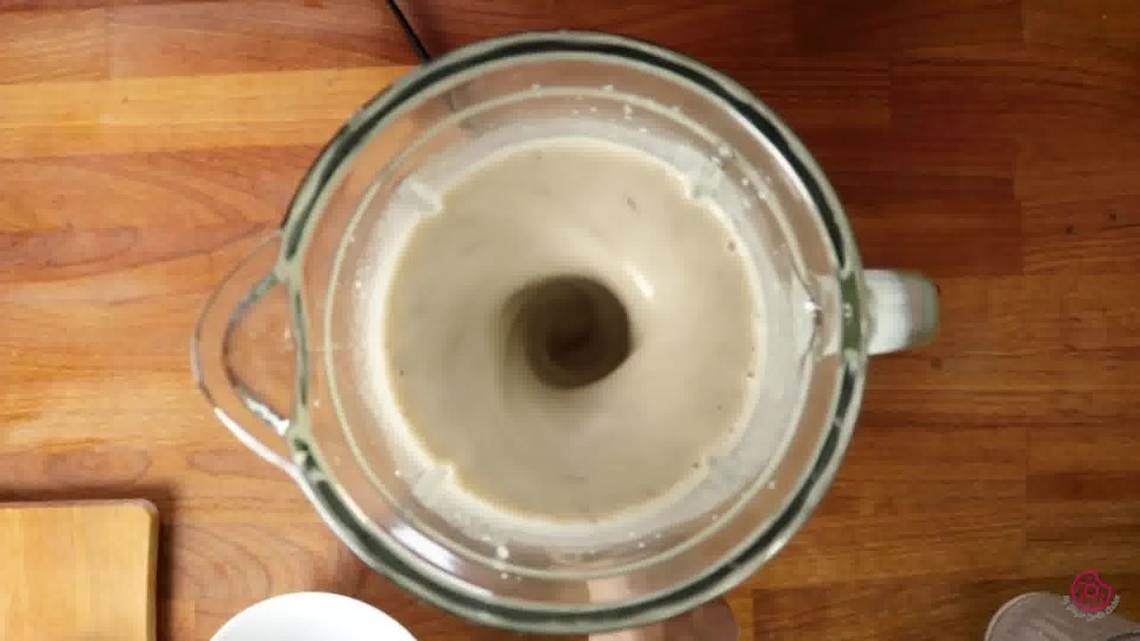 Image of the cooking step-1-2 for Banana Date Smoothie