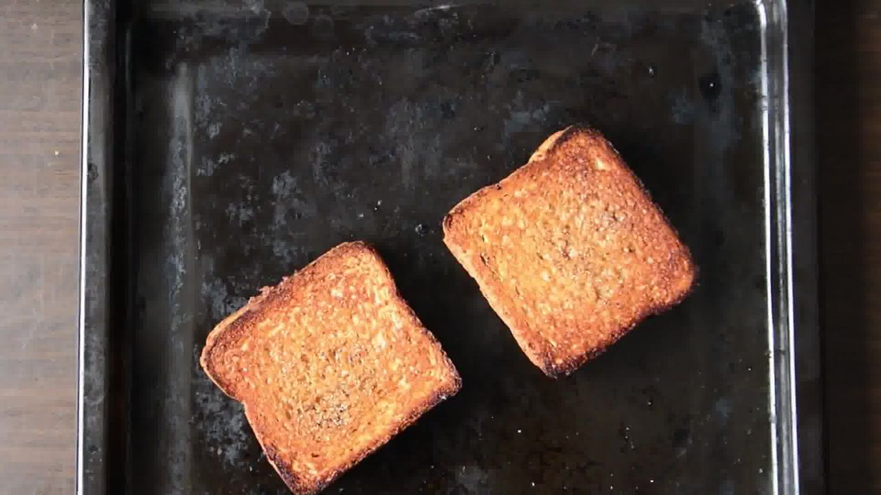 Image of the cooking step-3-4 for Banana Nutella Stuffed Cardamom Maple Toast Recipe