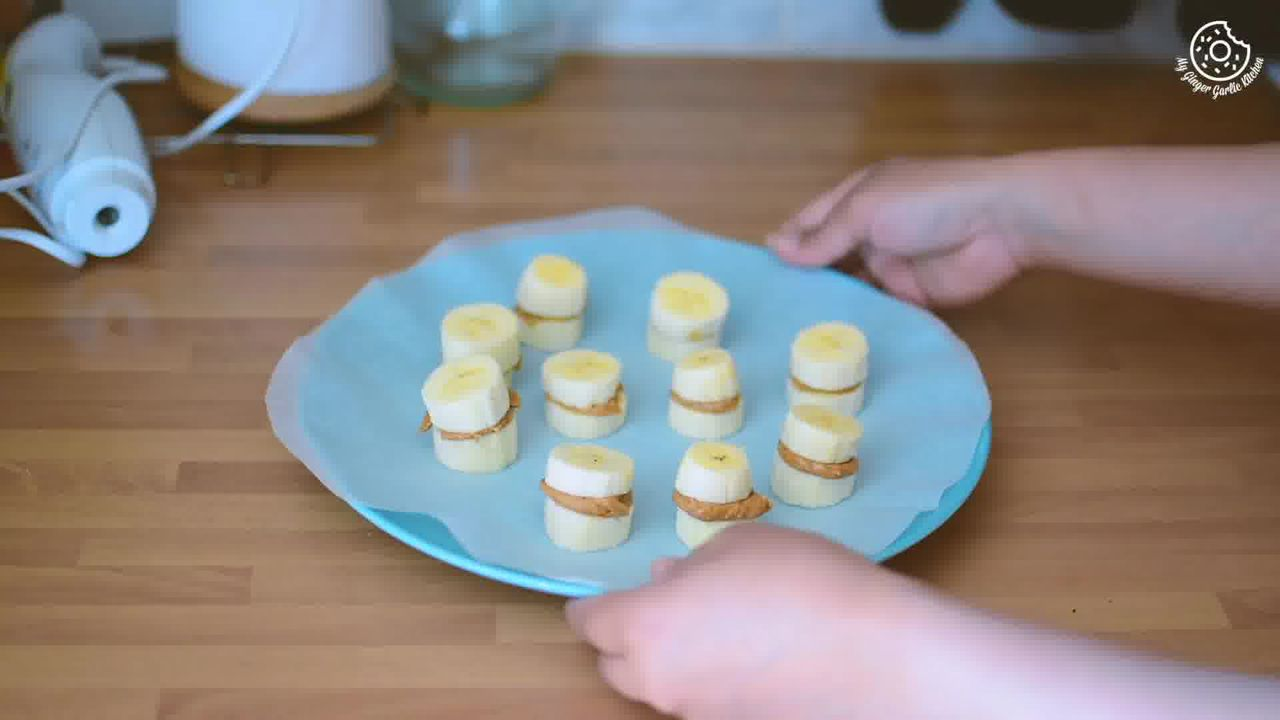 Image of the cooking step-1-4 for Banana Peanut Butter Chocolate Bites