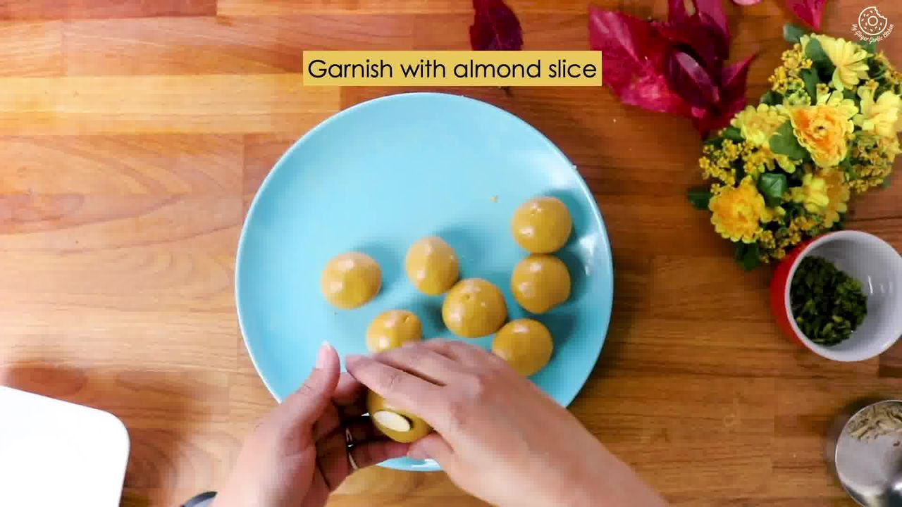 Image of the cooking step-2-5 for Besan Ladoo Recipe - Sweet Chickpea Flour Balls