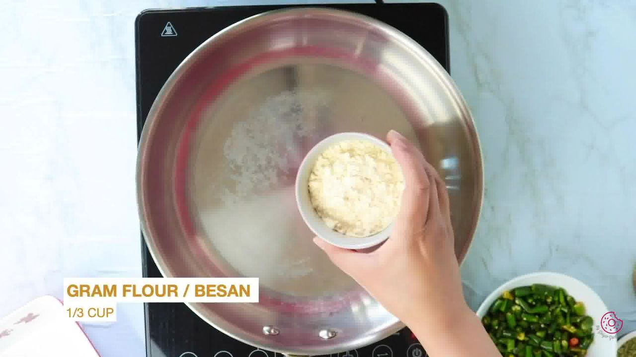 Image of the cooking step-1-2 for Besan Mirchi Ke Tipore - Garm Flour Green Chili Stir-Fry