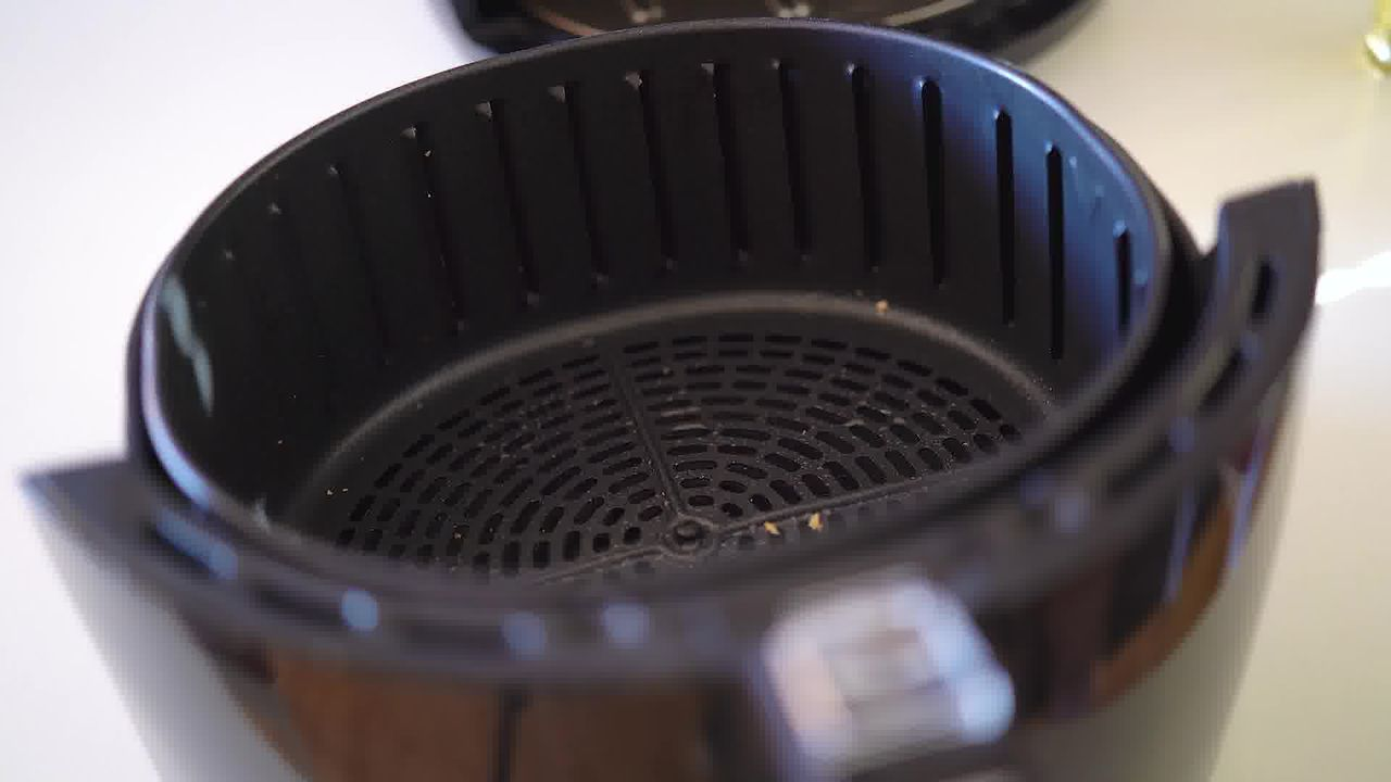 Image of the cooking step-3-1 for Besan Paara (Fried, Air Fryer, and Baked Recipe)