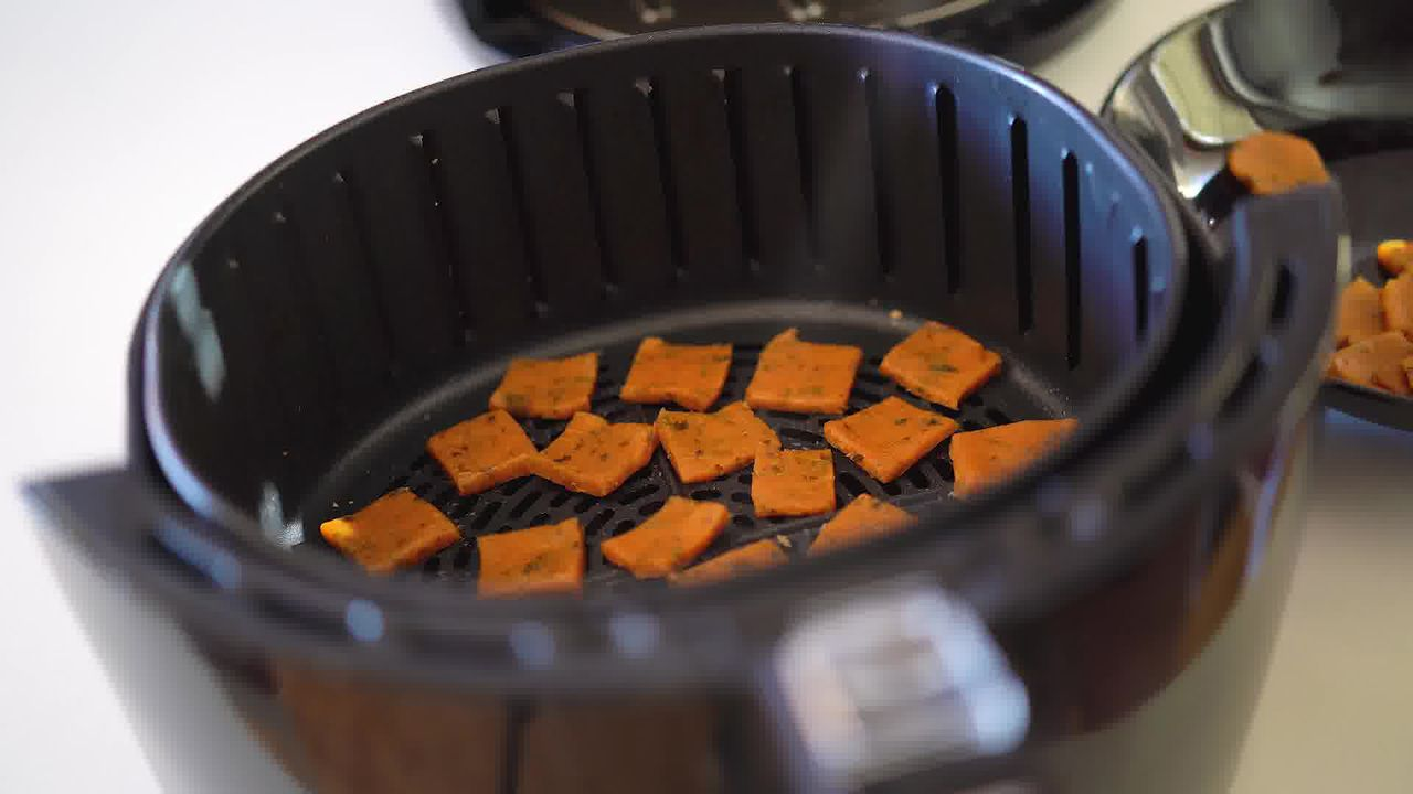 Image of the cooking step-3-2 for Besan Paara (Fried, Air Fryer, and Baked Recipe)