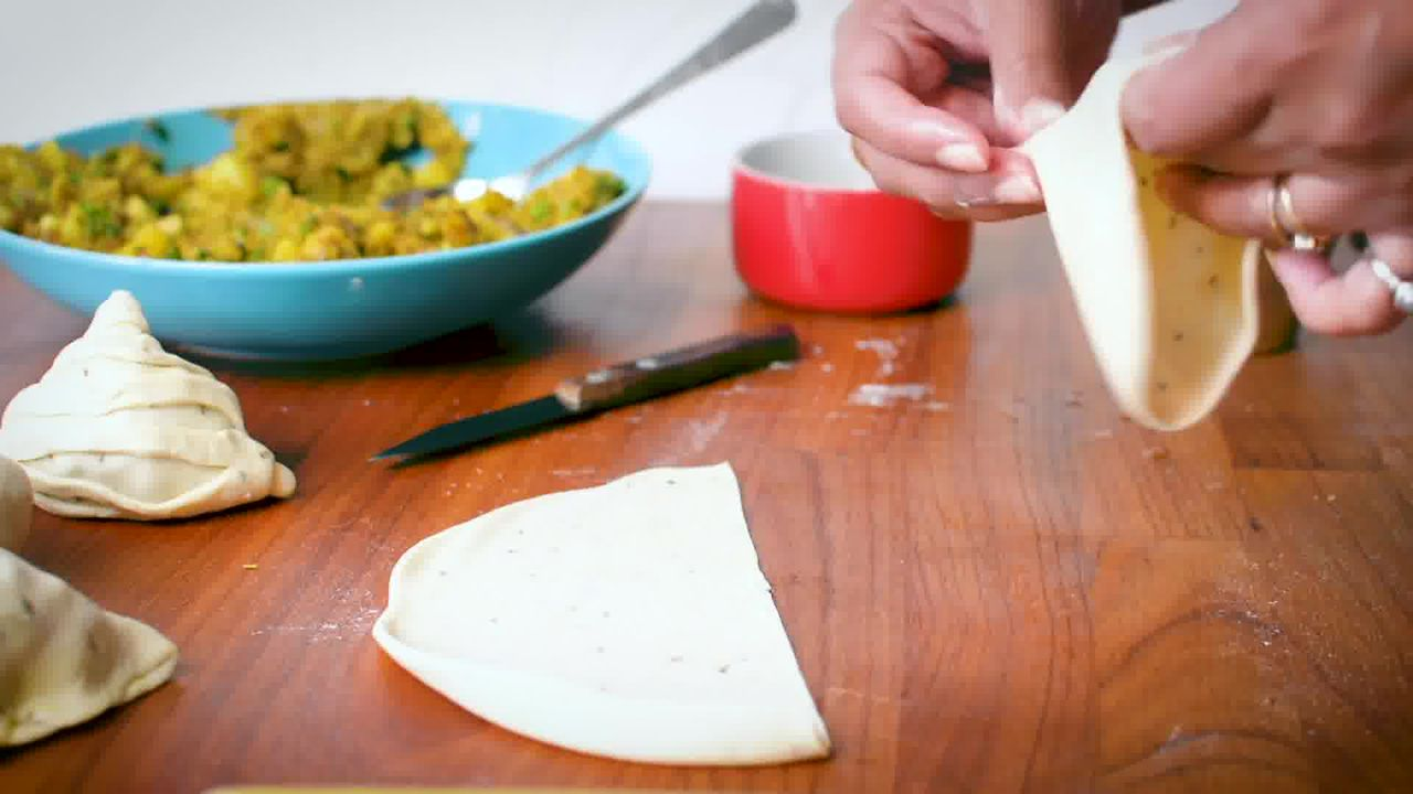 Image of the cooking step-5-4 for Samosa Recipe - How to Make Best Samosa