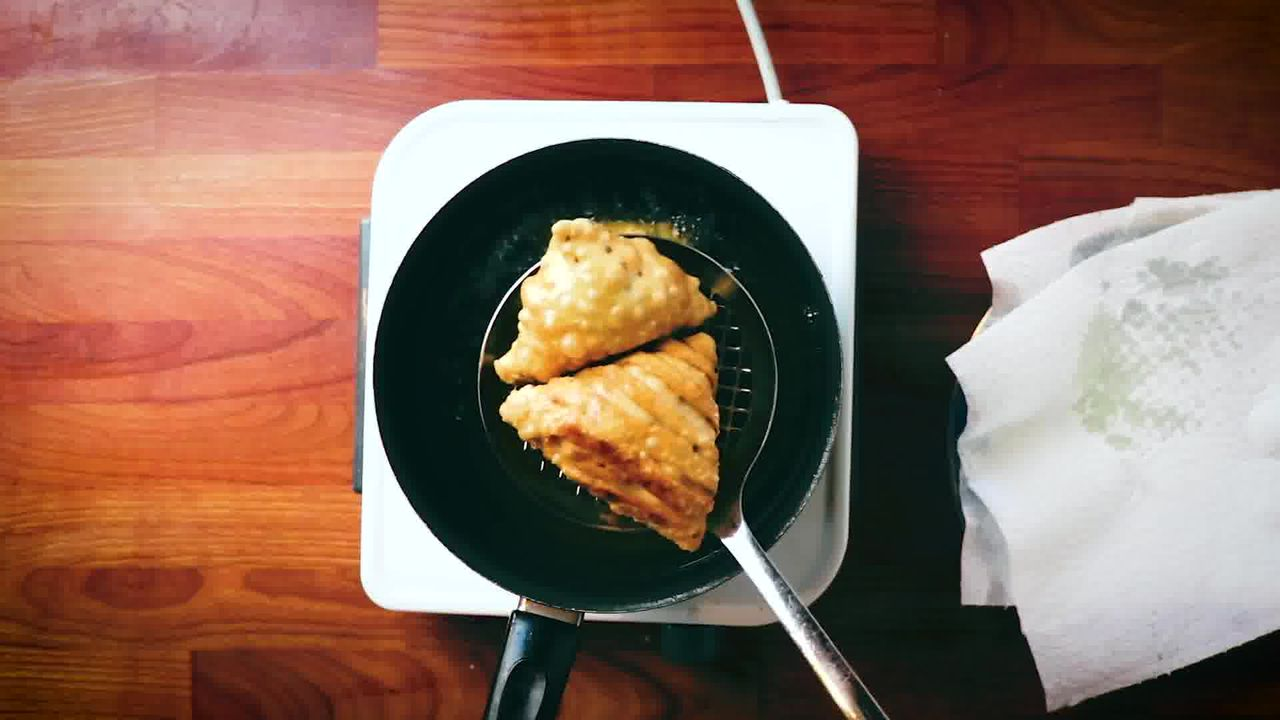 Image of the cooking step-6-4 for Samosa Recipe - How to Make Best Samosa