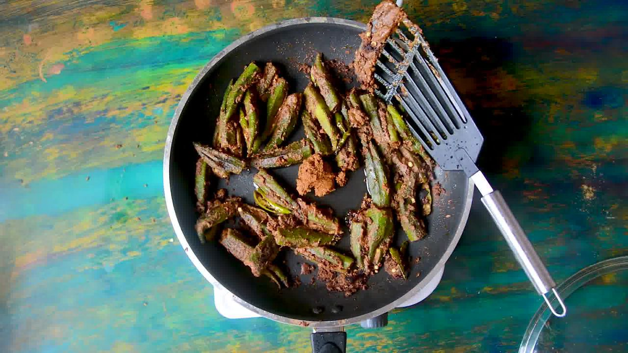 Image of the cooking step-3-11 for Bharwa Bhindi - Stuffed Okra
