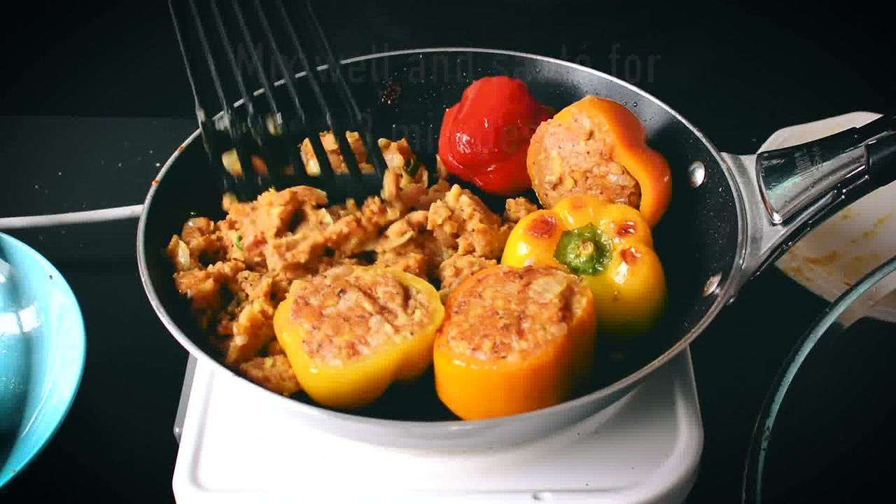 Image of the cooking step-4-6 for Bharwa Shimla Mirch - Potato Stuffed Bell Peppers
