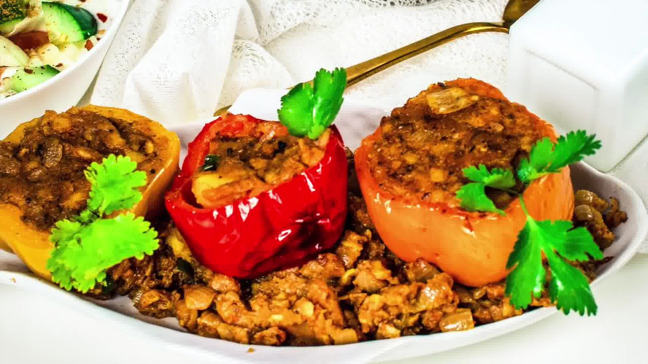 Image of the cooking step-4-9 for Bharwa Shimla Mirch - Potato Stuffed Bell Peppers