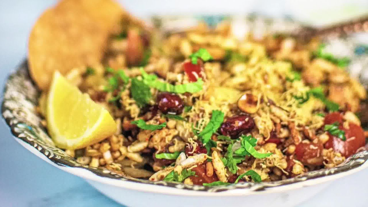 Image of the cooking step-1-9 for Bhel Puri (Step-By-Step Video Recipe)