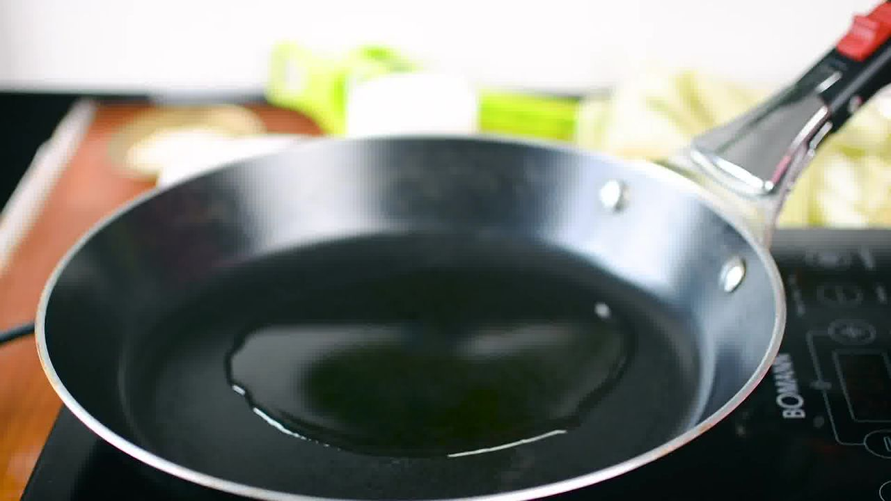 Image of the cooking step-2-1 for Bhutte Ka Kees - Grated Corn Stir Fry