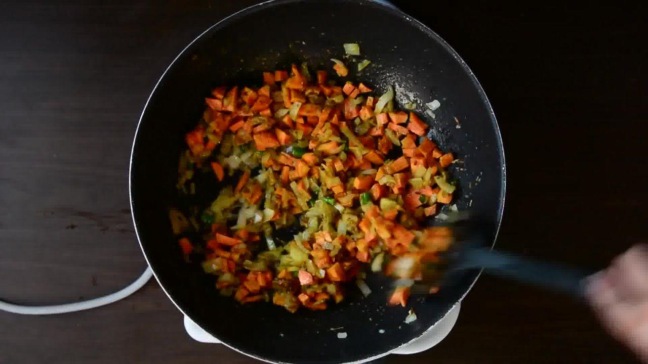 Image of the cooking step-1-5 for Lobia Briyani - Black Eyed Bean Carrot Biryani