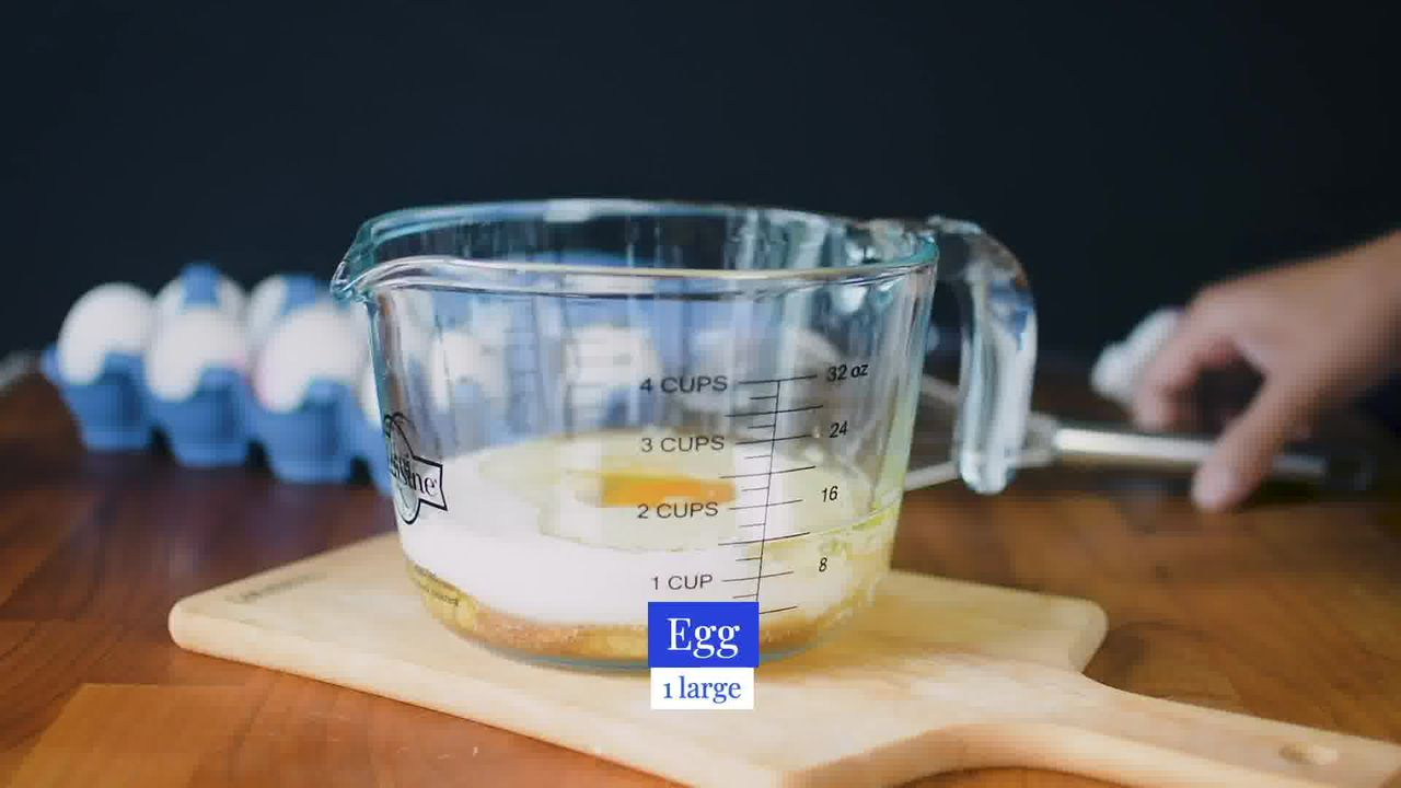 Image of the cooking step-2-1 for Quick and Easy Blueberry Muffins Recipe