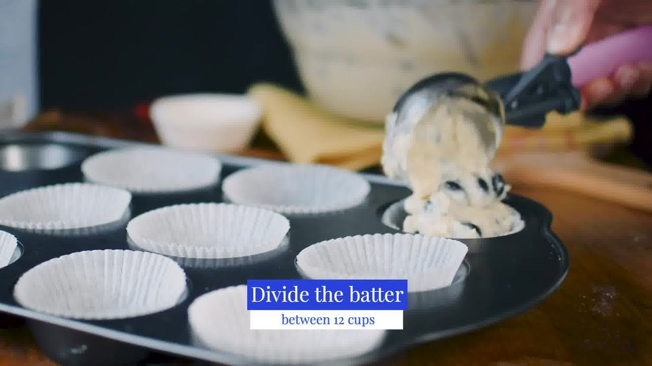 Image of the cooking step-3-2 for Quick and Easy Blueberry Muffins Recipe
