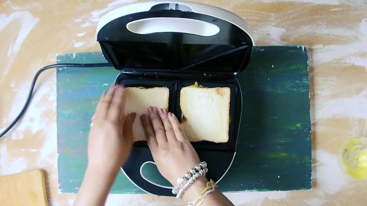 Image of the cooking step-3-7 for Bombay Masala Toast - How to Make Masala Toast