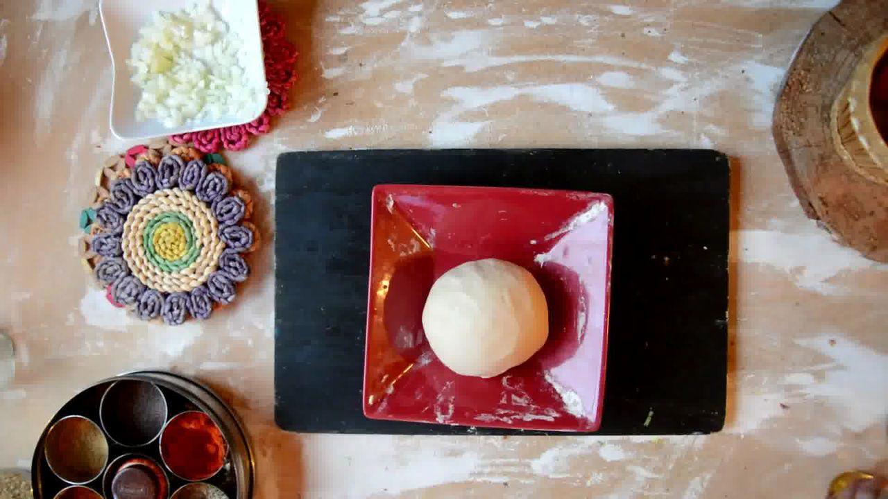 Image of the cooking step-2-2 for Cabbage Peas Stuffed Paratha - Patta Gobi Ka Paratha