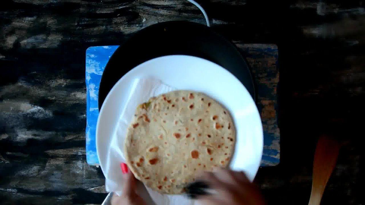 Image of the cooking step-3-8 for Cabbage Peas Stuffed Paratha - Patta Gobi Ka Paratha