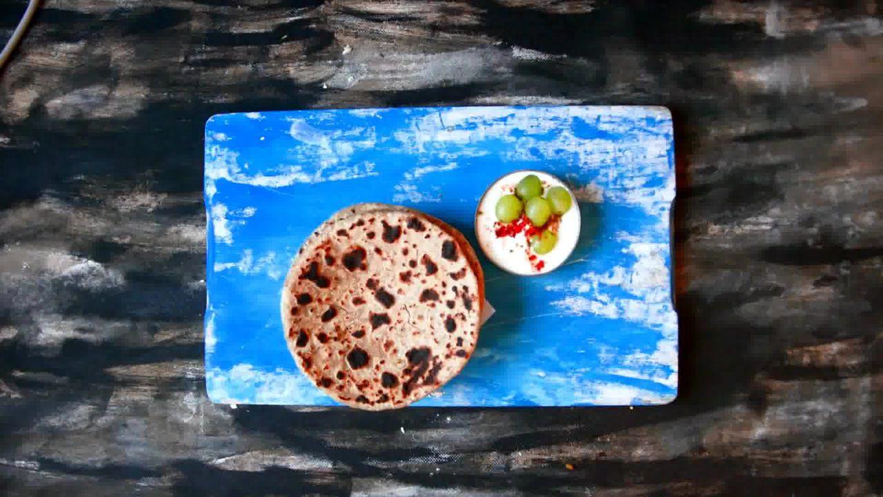 Image of the cooking step-4-1 for Cabbage Peas Stuffed Paratha - Patta Gobi Ka Paratha