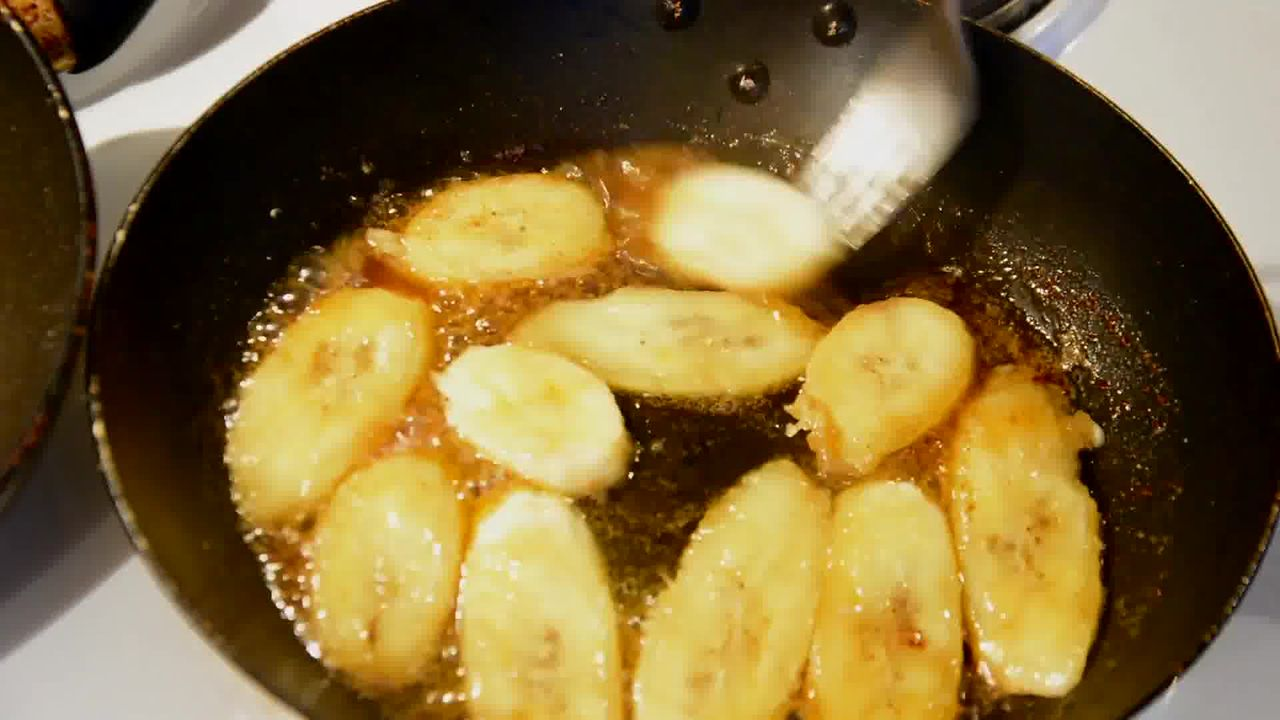 Image of the cooking step-1-5 for Caramelized Banana with Nuts and Mango Yogurt