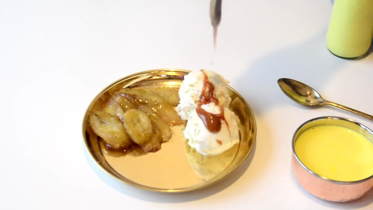Image of the cooking step-3-3 for Caramelized Banana with Nuts and Mango Yogurt
