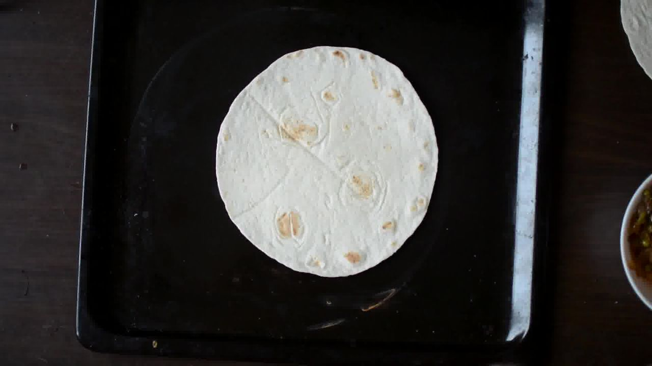 Image of the cooking step-3-1 for Tortilla Pizza Caramelized Veggie Tortizza (2 ways)