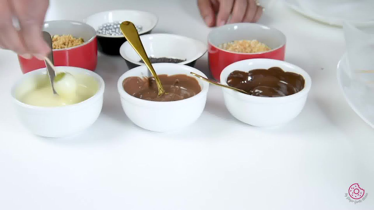 Image of the cooking step-3-1 for Easy Chocolate Covered Grapes