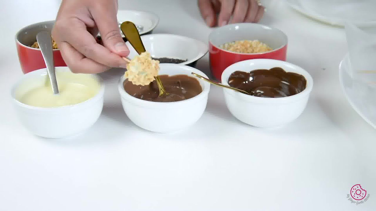Image of the cooking step-3-2 for Easy Chocolate Covered Grapes