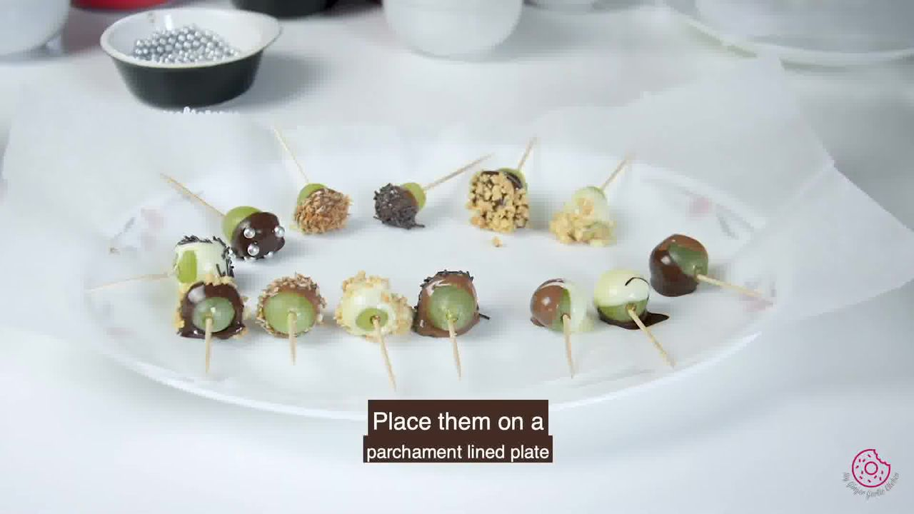 Image of the cooking step-3-3 for Easy Chocolate Covered Grapes