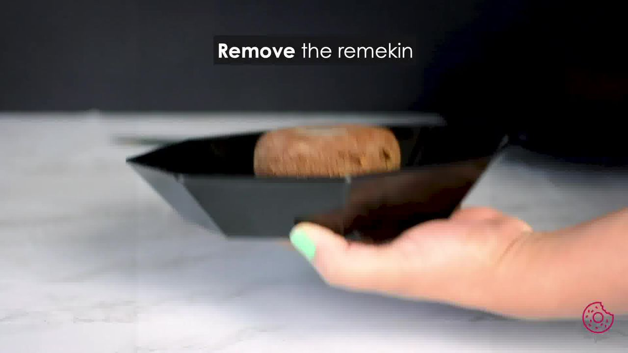 Image of the cooking step-4-5 for Chocolate Lava Cake