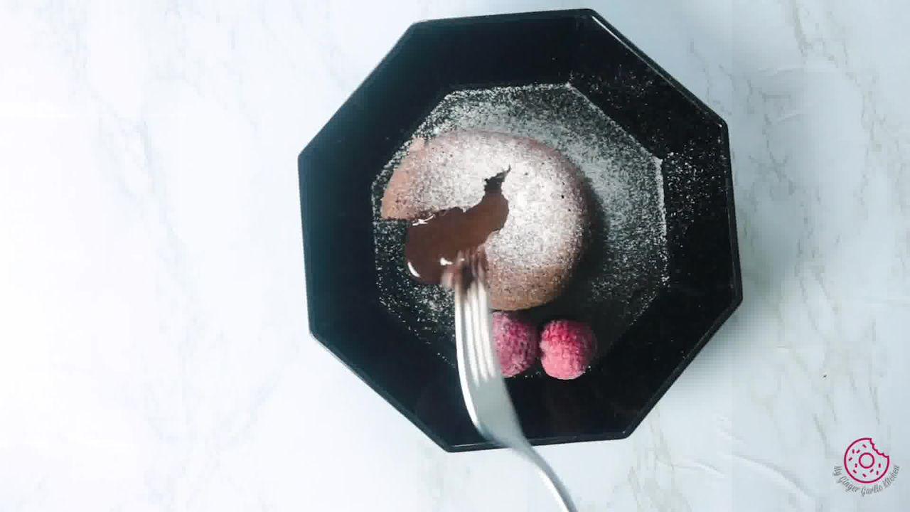 Image of the cooking step-4-7 for Chocolate Lava Cake