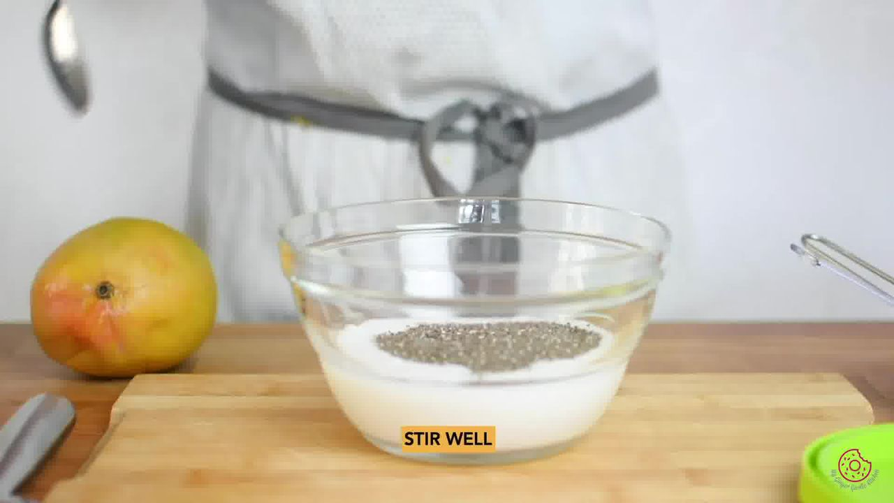 Image of the cooking step-2-1 for Coconut Mango Chia Pudding