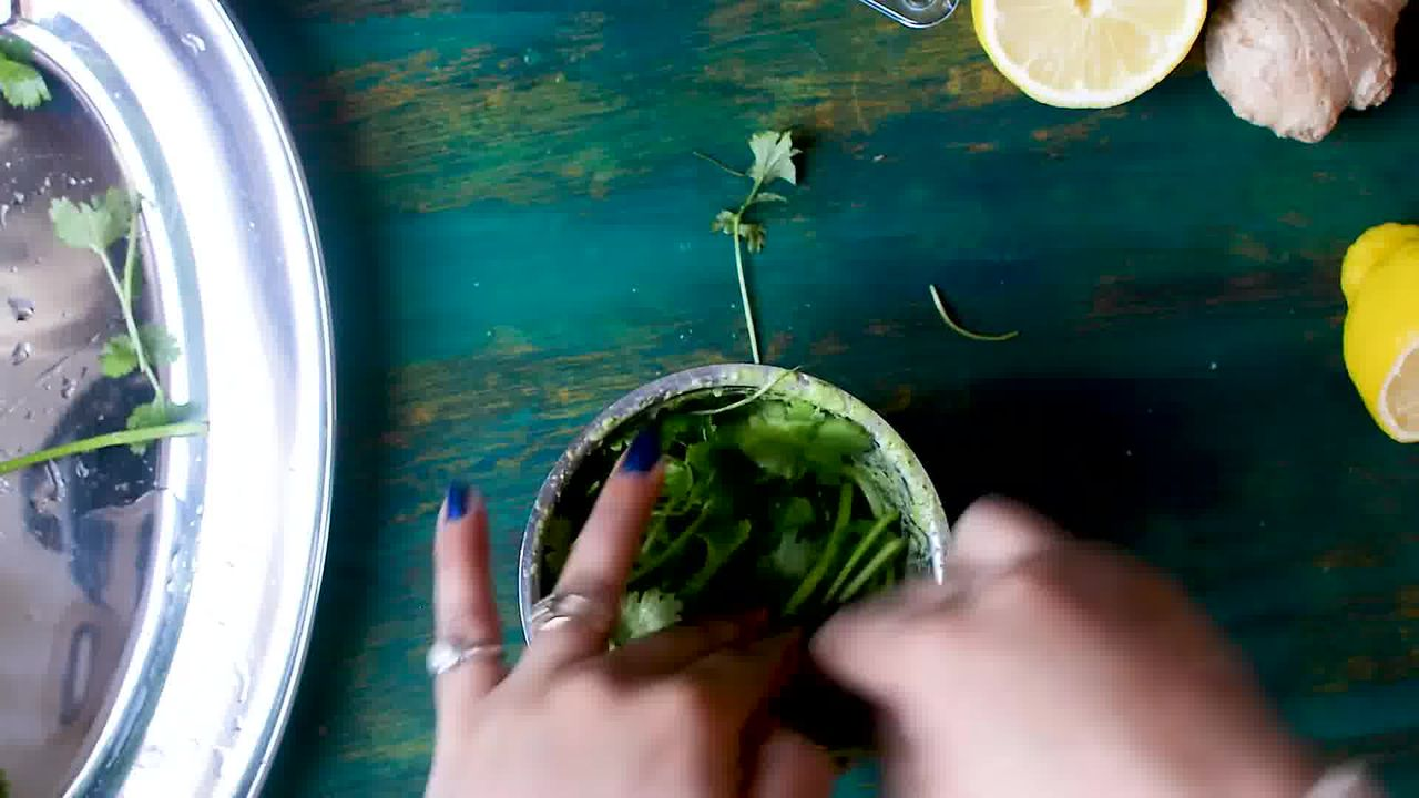 Image of the cooking step-3-1 for Coriander Chutney – Hare Dhaniye Ki Chutney (3 Ways)