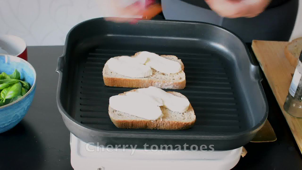 Image of the cooking step-1-3 for Grilled Tomato Mozzarella Sandwich Recipe