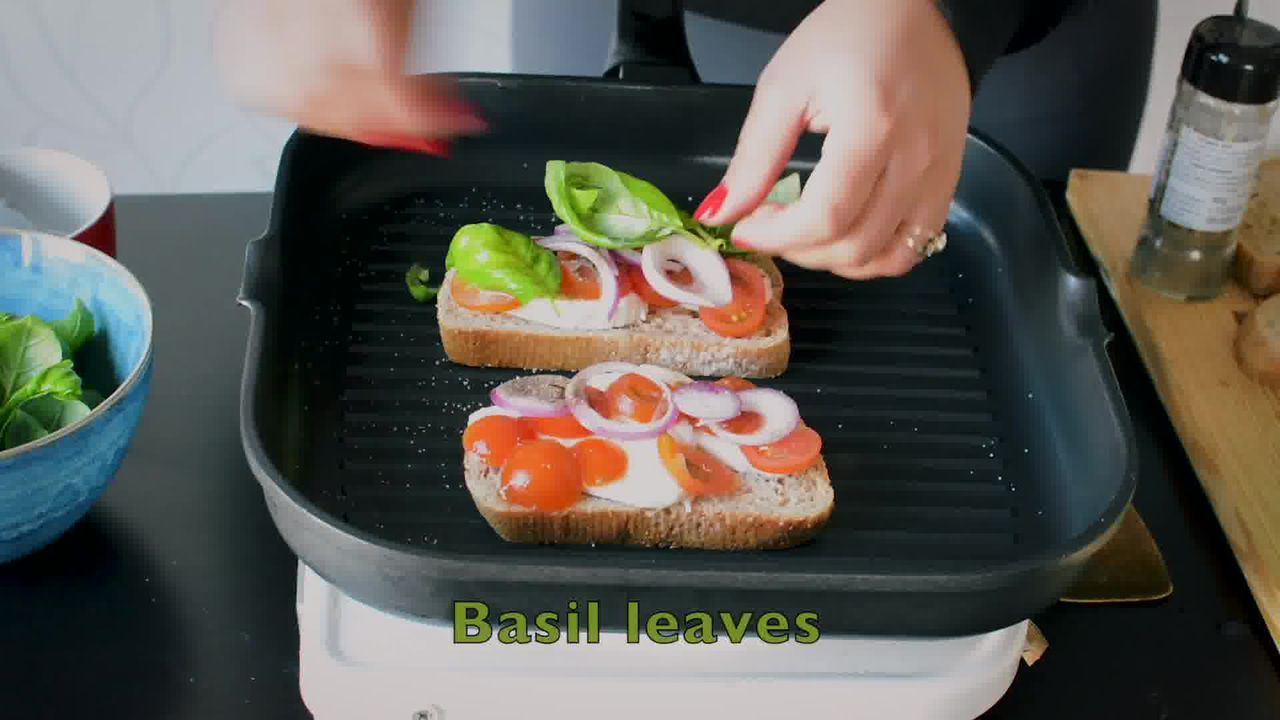 Image of the cooking step-1-5 for Grilled Tomato Mozzarella Sandwich Recipe